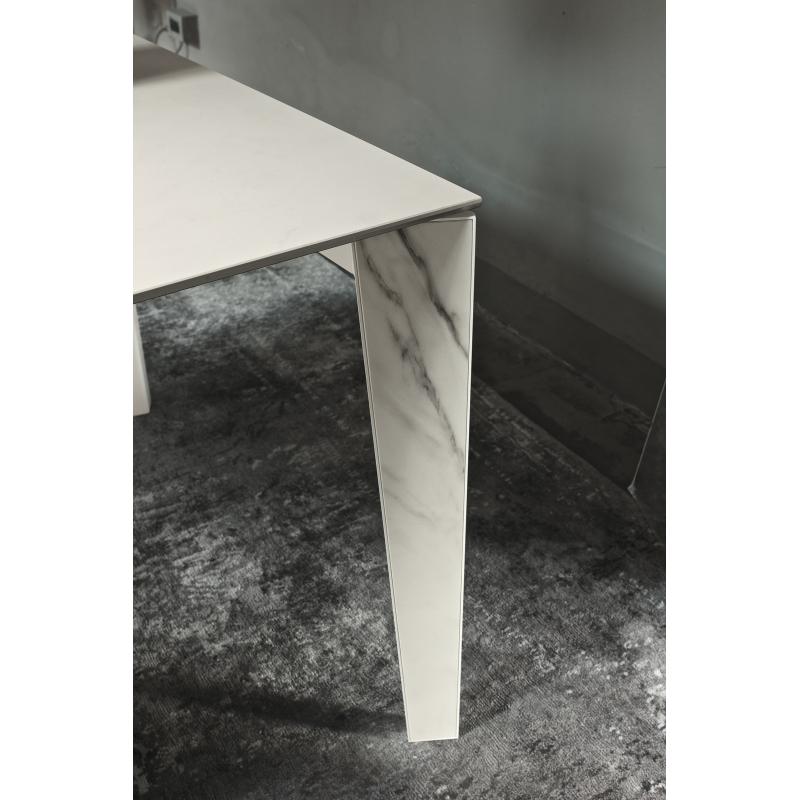 table design marbre table de salon en marbre noir ferm living with table design marbre top. Black Bedroom Furniture Sets. Home Design Ideas