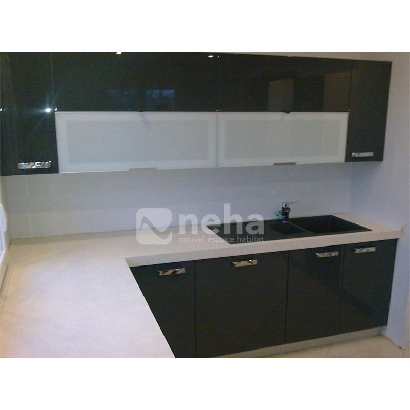 cuisine sur mesure larqu noir et blanche r alis par neha. Black Bedroom Furniture Sets. Home Design Ideas