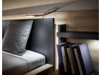 liseuse lumiere dans la tete de lit