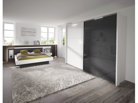 chambre blanche et grise sur mesure avec lit et armoire dressing. Black Bedroom Furniture Sets. Home Design Ideas