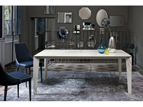 table repas marbre design italien rectangulaire avec rallonge. Black Bedroom Furniture Sets. Home Design Ideas