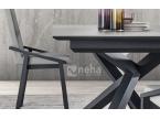 Table avec pied en métal noir