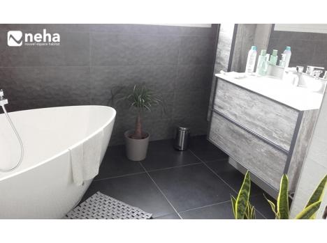 Réalisation salle de bain grise