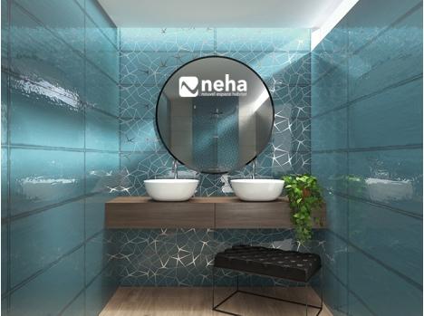 Salle de bain faience bleu unie et décor chromé