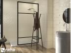 Salle de bain beige avec carreaux décor chromé