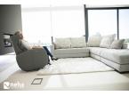 Salon contemporain et design avec canapé et fauteuil