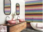 Salle de bain avec faience décorative arc en ciel