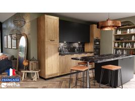 Cuisine bois, laque noir et plan de travail marbre noir