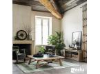 Salon moderne esprit loft atelier bois et céramique